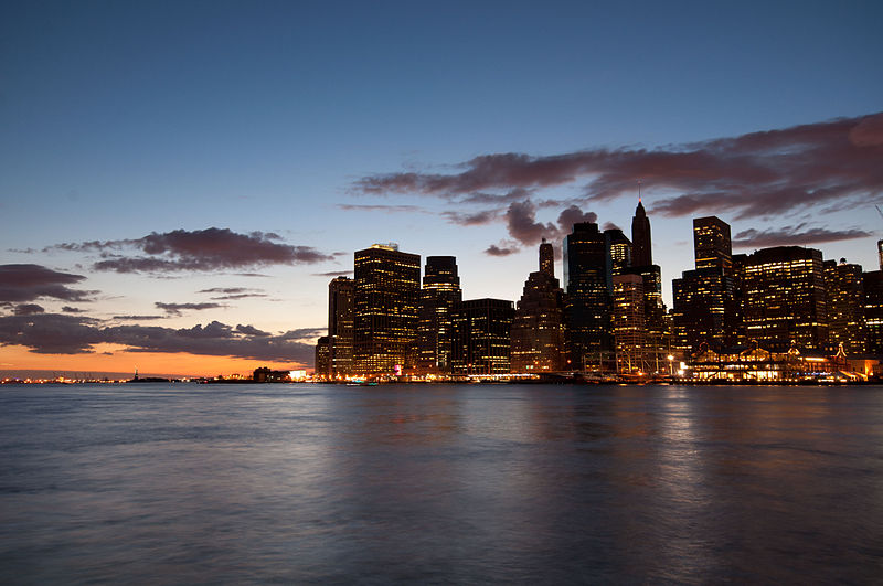 800px-Manhattan_at_Dusk