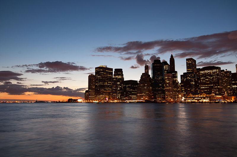 800px-Manhattan_at_Dusk